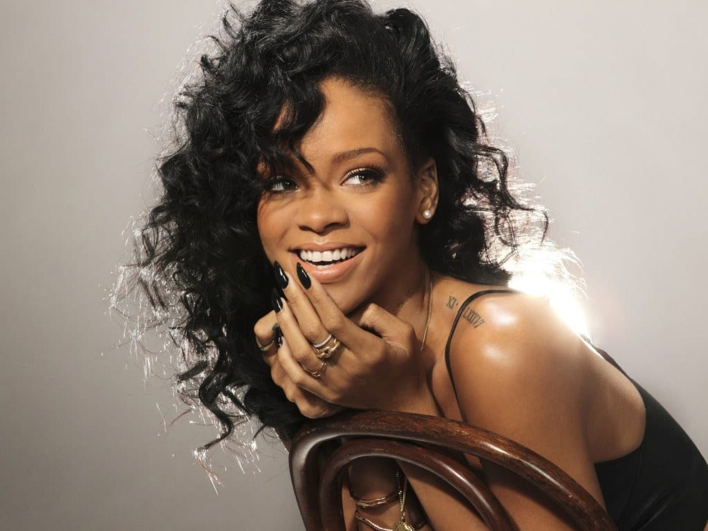 Rihanna streaming pic